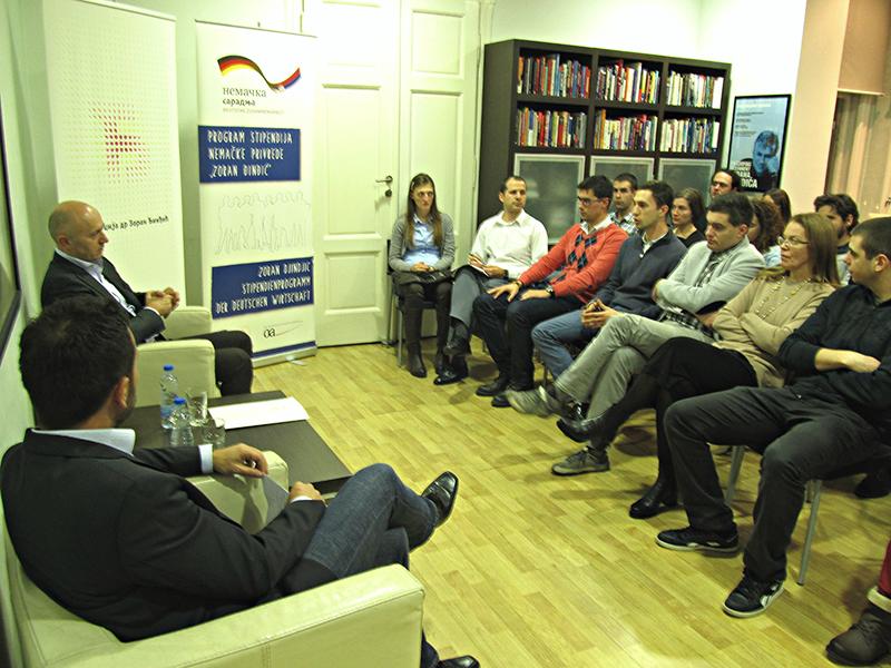 Miodrag Kostić održao predavanje alumnistima Fondacije dr Zoran Đinđić