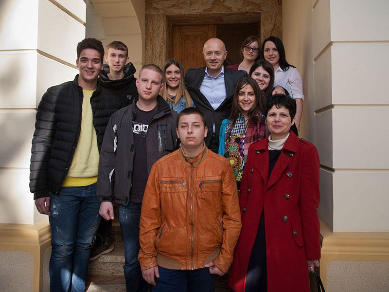 MK Group ugostila mlade iz SOS Dečijeg sela