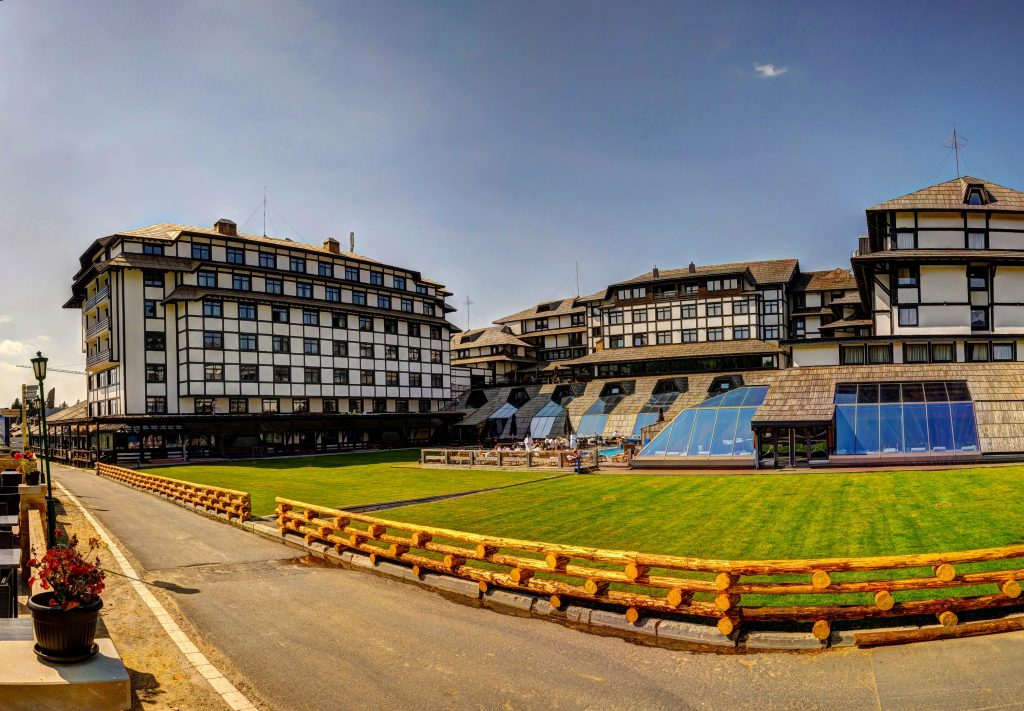 Гостиница Grand успешно работает в составе MK Group