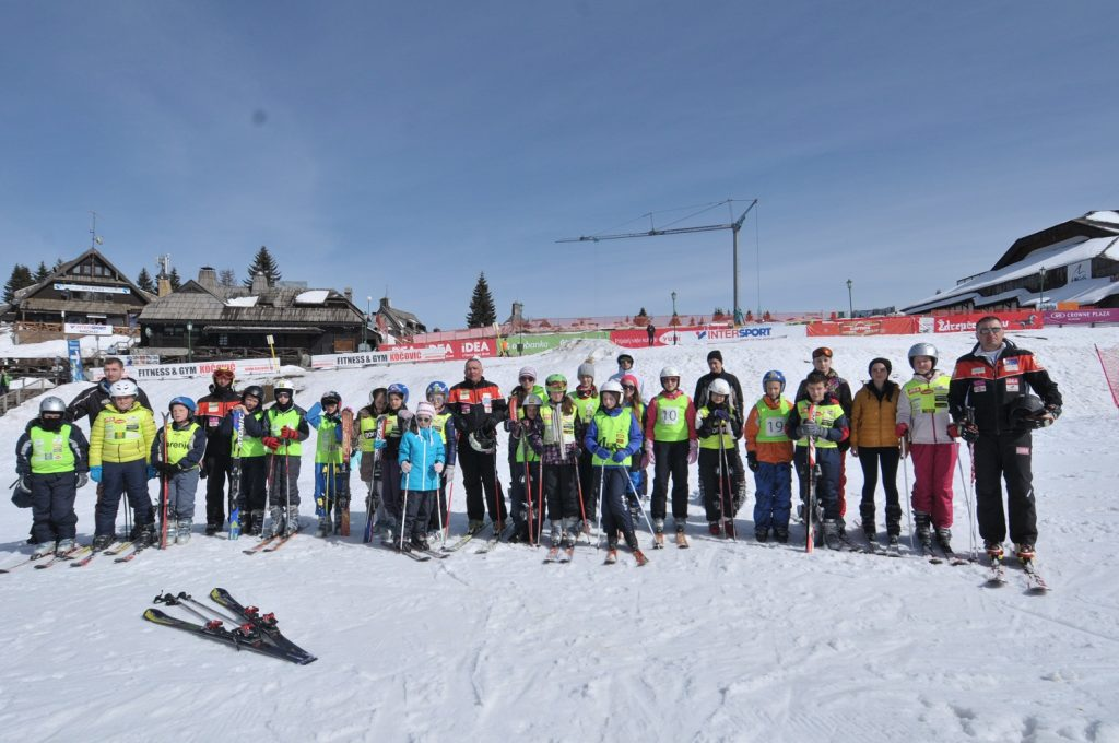 MK Group ugostila mlade iz SOS Dečijeg sela na Kopaniku
