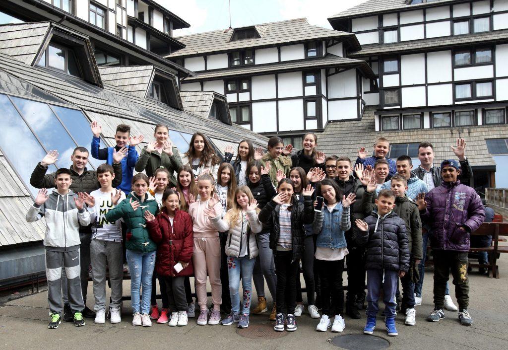 MK Group 10-tu godinu zaredom obezbedila zimovanje za decu sa Kosova i Metohije i iz SOS Dečijeg sela Kraljevo